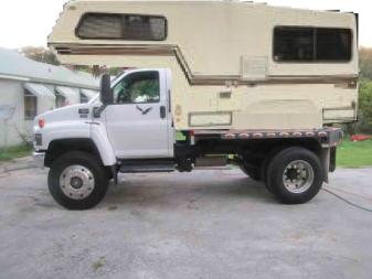 2006-gmc-5500-medium-duty-4x4-diesel-flatbed-221811332983-0